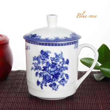 Teacup with lid - blue rose